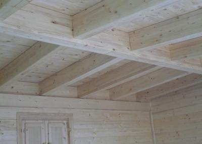 Casa de madera de abeto natural